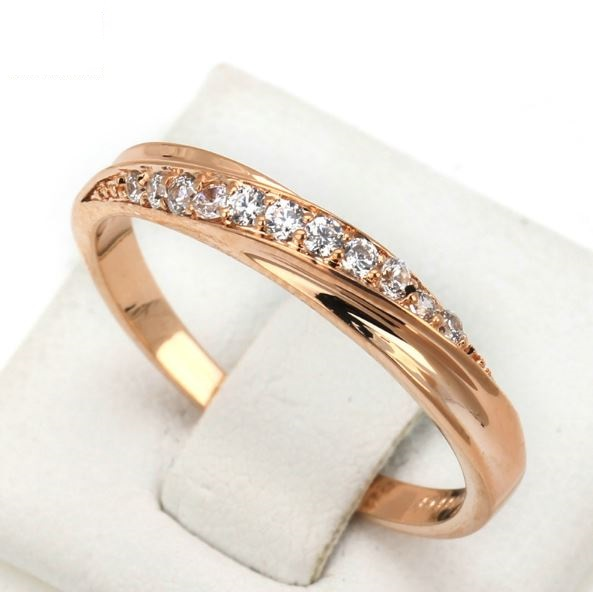 18K Gold Plated Rhinestones Studded Wedding Ring